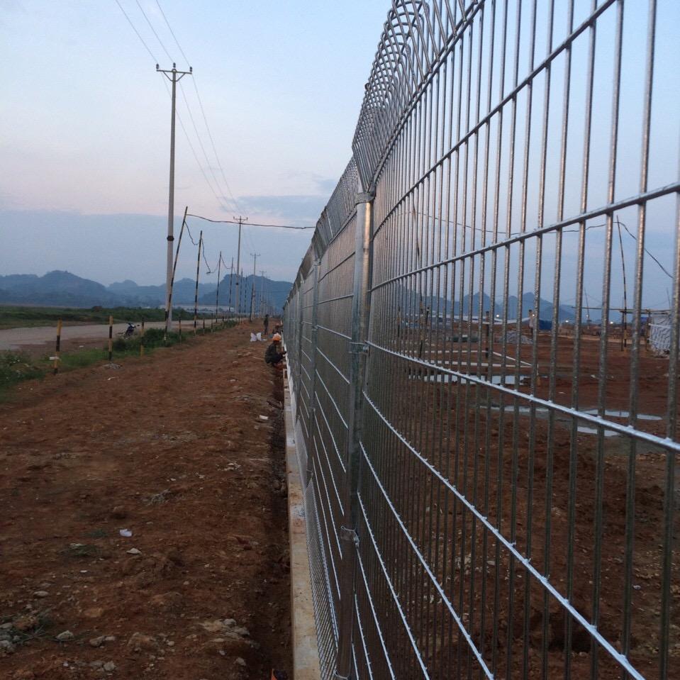 Hàng rào mạ kẽm nhúng nóng